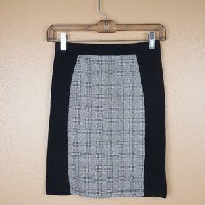 🌟 Cotton On Black & White Bodycon Skirt Size XS